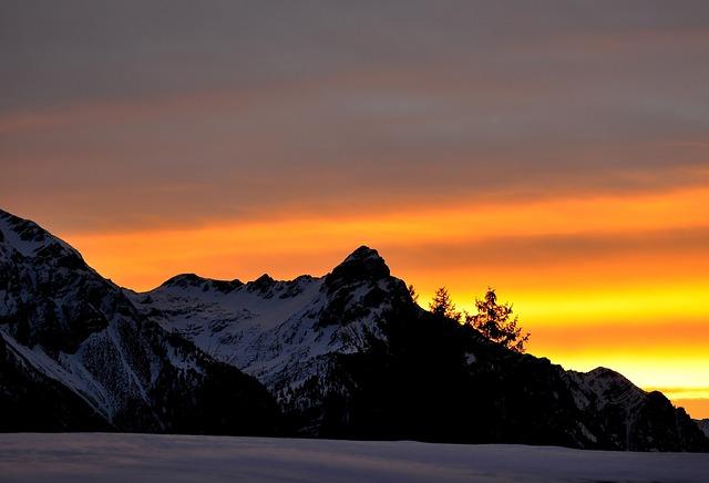 mountains-665201_640