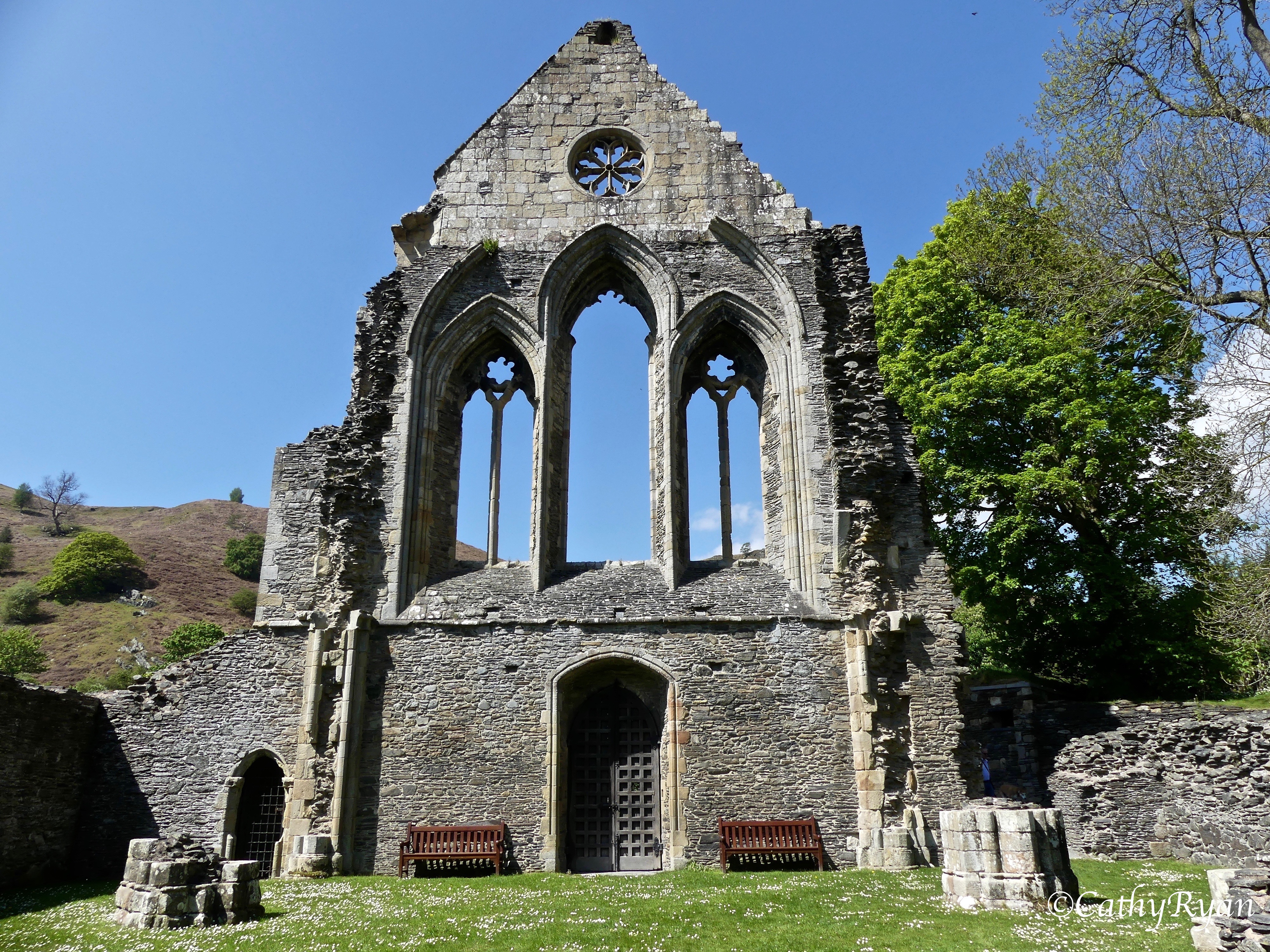 #WordlessWednesday ~ Valle Crucis ~ Another Abbey to fall foul of Henry VIII #Photography