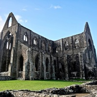#WordlessWednesday ~ Tintern Abbey, founded in the 12th Century sits in the beautiful Wye Valley #Photography Monastic #Ruin