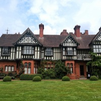 A Visit to Wightwick Manor and Gardens #NationalTrust #VictorianManor #ArtsandCrafts